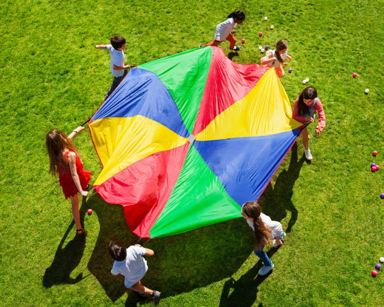 Merry-go-round parachute game