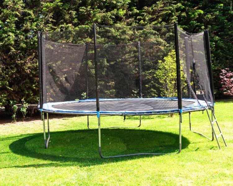 Round shaped trampoline